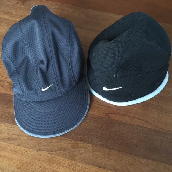 110accb627679 NIKE BUNDLE TWO RUNNING HATS. M 5a9841ef46aa7c797c31c406
